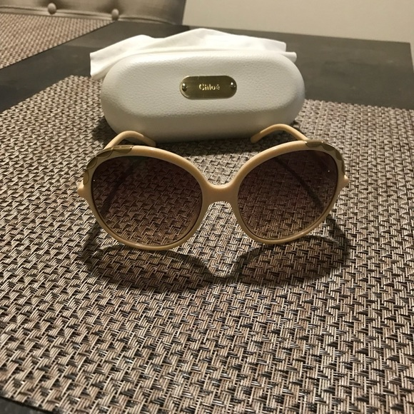 57839473ab34 Chloe Accessories - Chloe cream and gold large frames